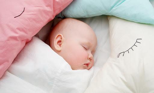 risiko bayi tidur dengan bantal